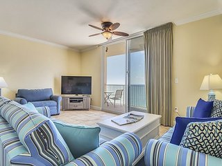 1Bed/2Ba~Walking distance to PIER PARK!~FREE Beach chairs!!