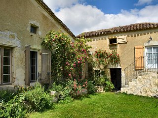 Country Farmhouse in Gascony, Gers, France, idyllic location
