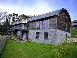 House 23 - Beautiful home,swimming pool, gym, sauna, close to beaches !