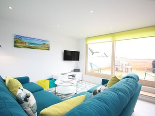 House 18 - No 18 is an idyllic house to relax and unwind at The Bay.  A 'one off