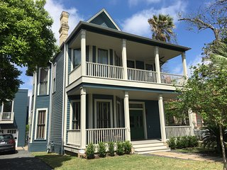 Prime Southtown/King William 1 bedroom apartment