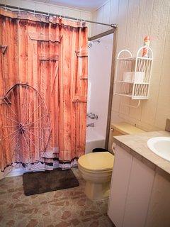 BIRCH HOUSE 2ND FULL BATHROOM