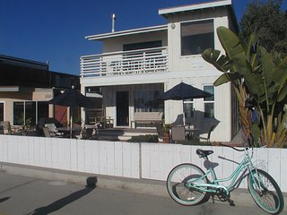 Charming Ocean Front 1 Bedroom, South Mission Beach