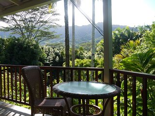 Kai Honu Cottage..Romantic honeymoon jungle and mountain view cottage