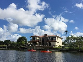 Luxury Waterfront Rental in Palm Beach