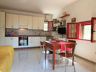 Cuccarini air-conditioned holiday home in Sant'Isidoro with outdoor areas and p