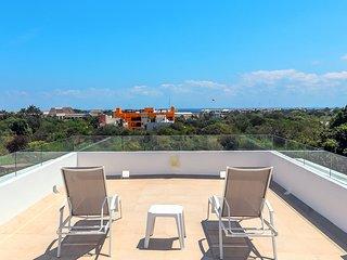 Spacious El Cielo Ocean View Penthouse - Mirador
