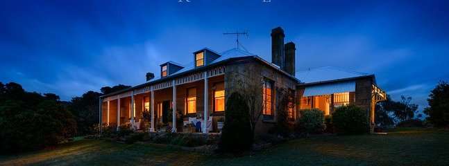 heritage listed RATHMORE HOUSE c1828 stay a while in your own country home