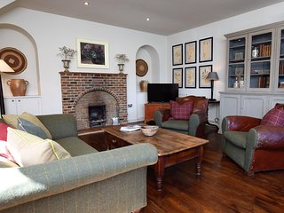 57383 Cottage situated in Eastbourne (7mls NW)