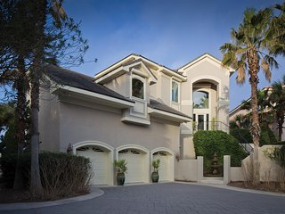 The Dunes - Luxe Oceanfront 4B w/ Private Pool & Hot Tub,  Elevator, 3 Car Garag