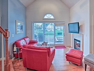 NEW! Waterfront 2BR+Loft Alexandria Bay Townhome!