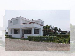 **Beach House in Asia, walk to boulevard & beach**