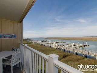 Bay Creek Villa 213 - Updated 2BR/2BA Condo w/ Creek Views & Free Pool Access