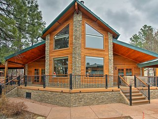 Luxury Cabin on Rainbow Lake w/ Views+Hot Tub+Dock