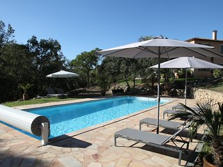 Beautiful Provencal Bastide, 3/4BD quiet area, large heated swimming pool
