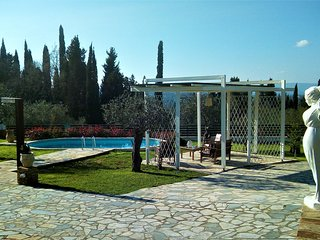 Corfu private villa Achlleion - Benitses