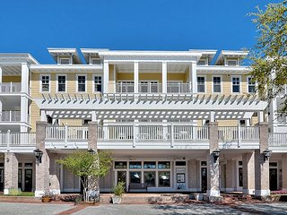 2BR Sandestin® Golf and Beach Resort w/ Balcony, Pool & Spa