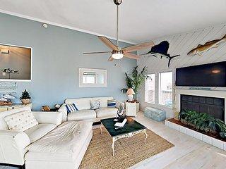 3BR, 3BA Port Aransas Lost Colony House—Large Deck, Boardwalk to Beach, Pool