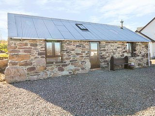 THE WEE BARN, views of Little Loch Broom, open-plan, woodburner, Ref 980477