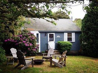 Family-Friendly 2BR Cottage w/ Kayaks, SUP & Bikes - Walk to Ridgevale Beach