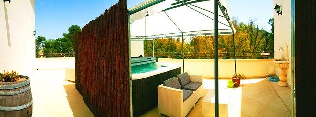 mini spa pool Jacuzzi outside