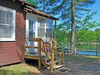 Cedar - Elbert's - Hiller Vacation Homes - Free WIFI