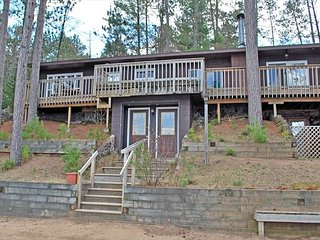 Arlington - Elbert's - Hiller Vacation Homes - Free WIFI