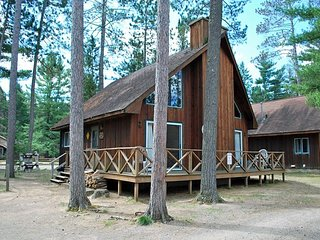 COUNTRY LOFT at Elbert's Resort - Hiller Vacation Homes - Free WIFI