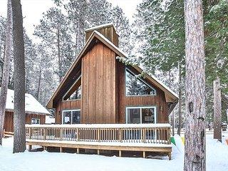 COUNTRY LOFT at Elbert's Resort - Hiller Vacation Homes - Free WIFI