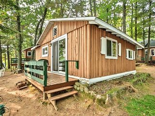 Cottage #2 - Hiller's Pine Haven - Completely remodeled in 2013 - Free WIFI