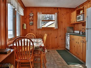 Dakota - Hiller Vacation Homes - Sister Cabin to Mohawk - Big Saint Lake