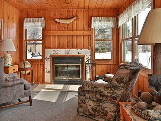 Dakota - Hiller Vacation Homes - Sister Cabin to Mohawk - Big Saint Lake