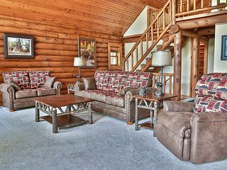 Total Seclusion - Hiller Vacation Homes - 2,500 sq. ft. executive log home