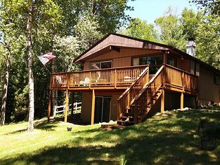 Foster's Lakehouse - Hiller Vacation Homes - Free WIFI - Little Saint Lake