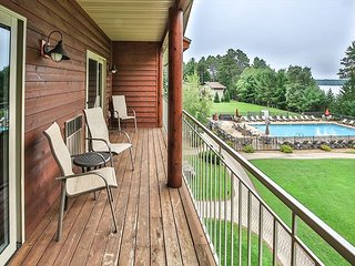 Eagle Lake Lookout - gorgeous condo on Eagle River Chain of lakes - Free WIFI