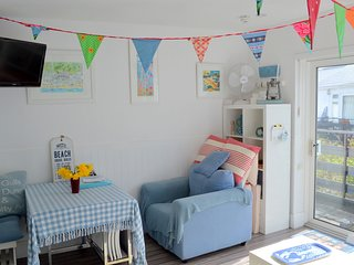 Personality-packed beach apartment at Helford Passage