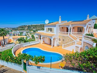 Fabulous 4 bedroom, 4 bathroom villa with private pool, Air con and Wi-Fi