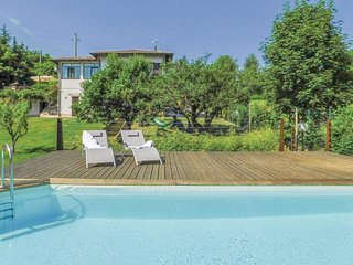2 bedroom Villa in Cerrete, Lombardy, Italy : ref 5605000