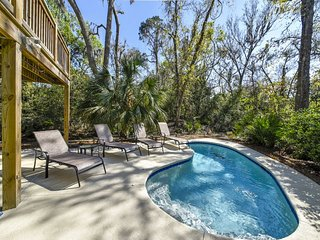 Newly remodeled, Private Pool, Minutes from beach