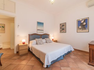 Monti 4pax Apartment - few steps from Colosseum