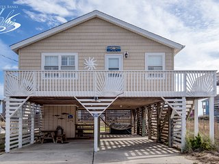 Sandpiper Shore Cottage | 682 ft from the beach | Hot Tub