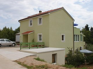 Three bedroom apartment Nerezine (Lošinj) (A-7961-a)