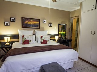 Matt's Rest B&B - The Khoi Falls Room