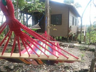 Hidden Haven - Heliconia Studio Cabana in jungle