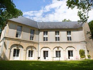 Chateau de Tilly - Authentique et chaleureux XVIII