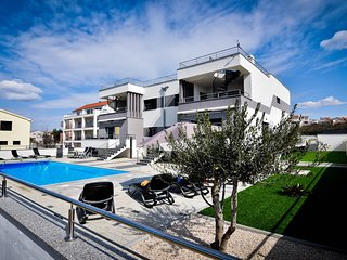 Villa Jela 4* Zadar, with great pool and seaview