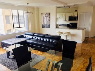 Modern spacious 2 bedroom 2 bathroom apartment
