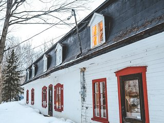 Rustic Cottage ♥ 4-Season Paradise ♥ Nature & Calm | 30 minutes from old Quebec