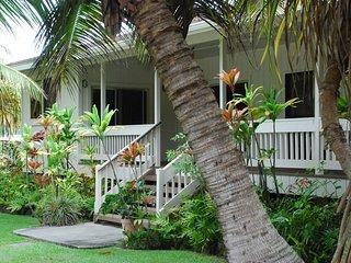 Hauula Ohana House - Paradise on a one acre tropical estate