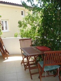 B(2+2): terrace